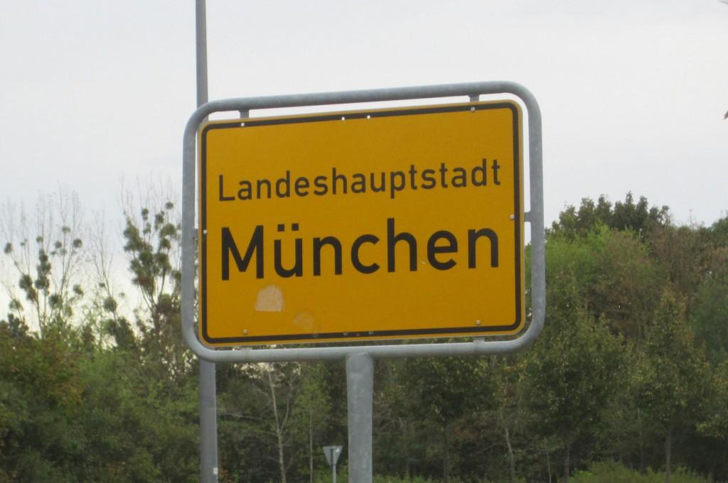 Einfahrt in die bayrische Metropole München