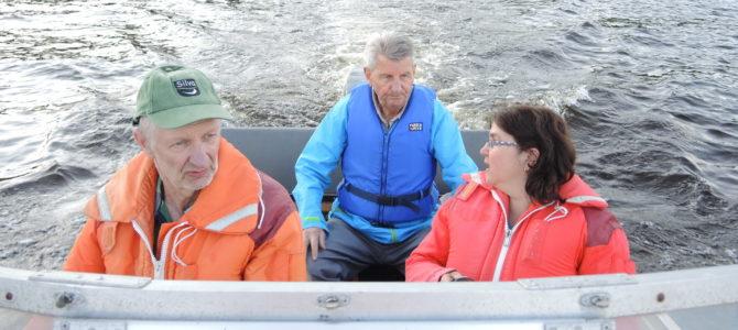 Motorboot Fahrt mit Heikki